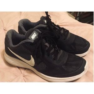 Women's black Nike Trainers